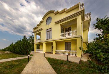 Дом в Гурзуфе на участке 45 соток