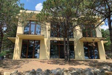 Новый дом 220 кв м г. Ялта п Гаспра